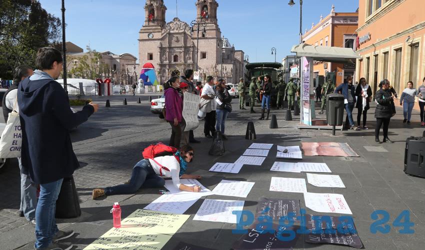 Manifestación en el Congreso del Estado