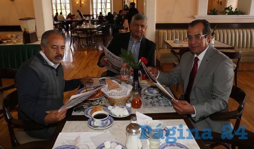 En Sanborns Francia almorzaron Alejandro Sánchez Laguna, secretario general del PRD; Gilberto Carlos Ornelas y Francisco Martínez Delgado, diputado local