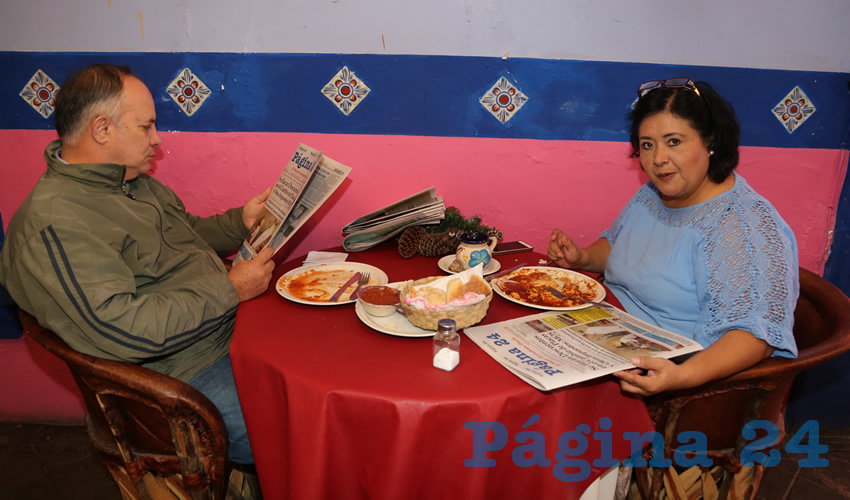 En La Saturnina almorzaron Armando Piera López y Julieta Leyva Maldonado, que nos visitan de Villahermosa Tabasco