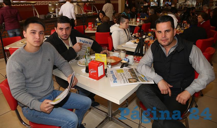 En el restaurante Mitla compartieron el pan y la sal Carlos Manuel López Pacheco, Hamed López López y Vicente Pérez Almanza