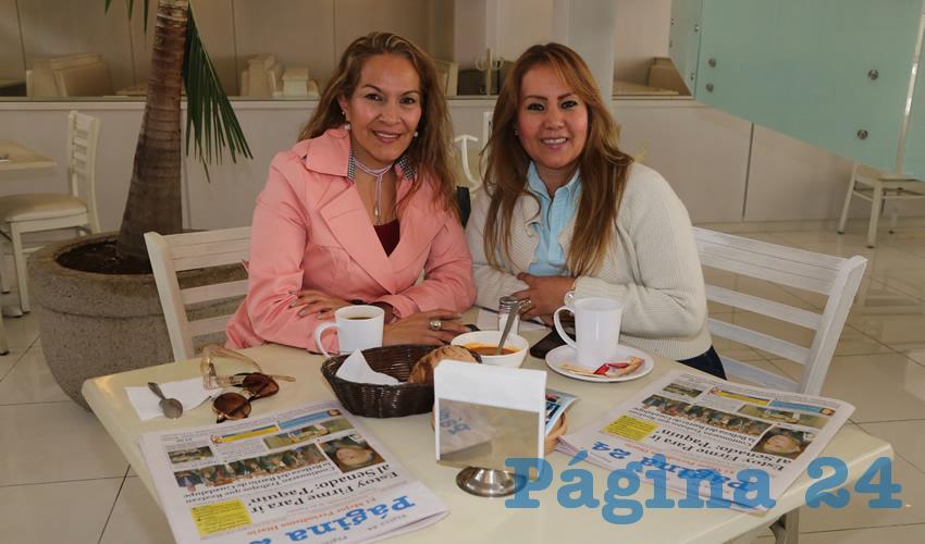 En el restaurante Del Centro desayunaron Socorro Ortiz Moreno y Raquel García Sánchez