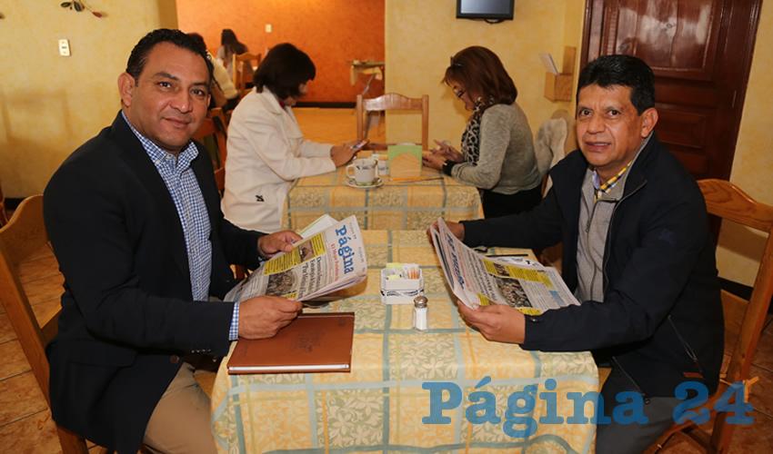 En La Estación desayunaron Rodolfo Téllez Moreno, secretario de Servicios Públicos del Ayuntamiento de Aguascalientes; y Marco Antonio Licón Dávila, secretario de Obras Publicas del Municipio de Aguascalientes