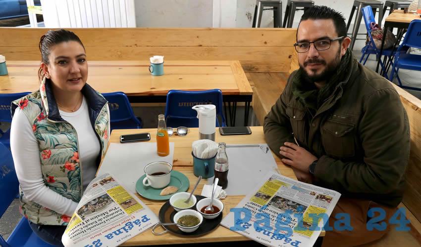 En el restaurante La Quincena almorzaron Georgina del Villar Andrade y Daniel Gallegos Macías