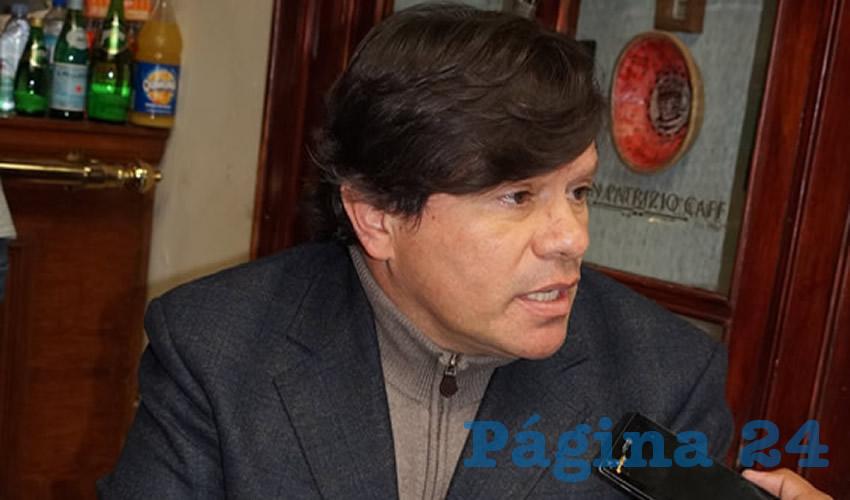 Felipe Casas Soto, prestador de servicios turísticos en el centro histórico de Zacatecas (Foto Merari Martínez Castro)