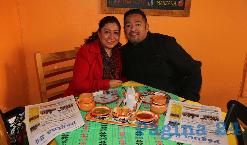 En el restaurante Gastronómico Colón compartieron el pan y la sal María Hernández Guajardo y Paulo César Baeza