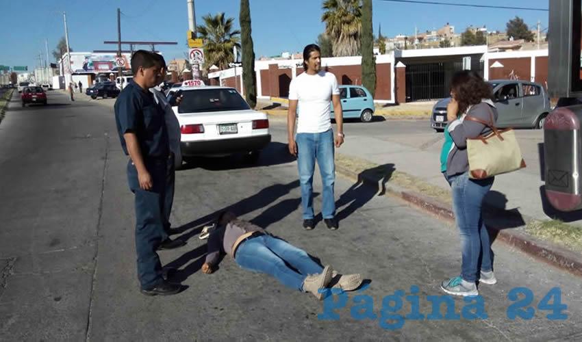 Silva Barrientos Rosales fue atropellada cuando el taxi maniobraba de reversa