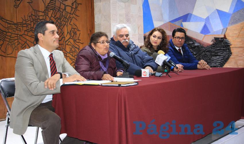 Gerardo Espinoza: Esa aprobación fue realizada con un procedimiento irregular, ya que no hubo presencia de los diputados de oposición, entre ellos los del Partido de la Revolución Democrática (PRD) Partido del Trabajo (PT) Movimiento de Regeneración Nacional (Morena) y Partido Encuentro Social (PES) (Foto Rocío Castro Alvarado)