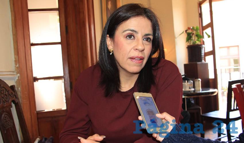 """Guadalupe Medina Padilla, """"El incremento que se está llevando a cabo en este momento no es proporcional según el artículo 31 fracción cuarta de la Constitución Política de los Estados Unidos Mexicanos"""" (Foto Archivo Página 24)"""