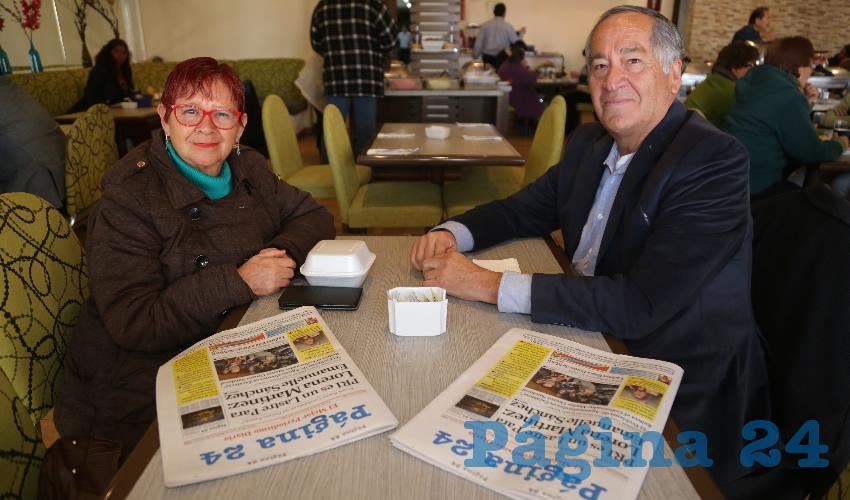 En el restaurante del Hotel Medrano compartieron el pan y la sal Chelo Tafoya Cervantes, celebrando su cumpleaños; y Carlos Carmona Escobedo