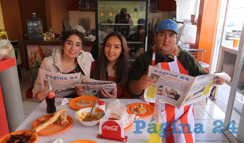 En El Sabor de Coyoacán desayunaron Valeria Rodríguez López, Natalia Rizo Landa y César Rizo Jiménez