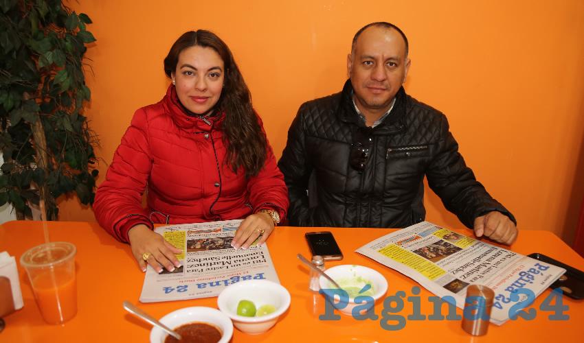 En carnitas Chanoy compartieron el primer alimento del día Leslie Atilano Tapia y Miguel Esparza Rentería