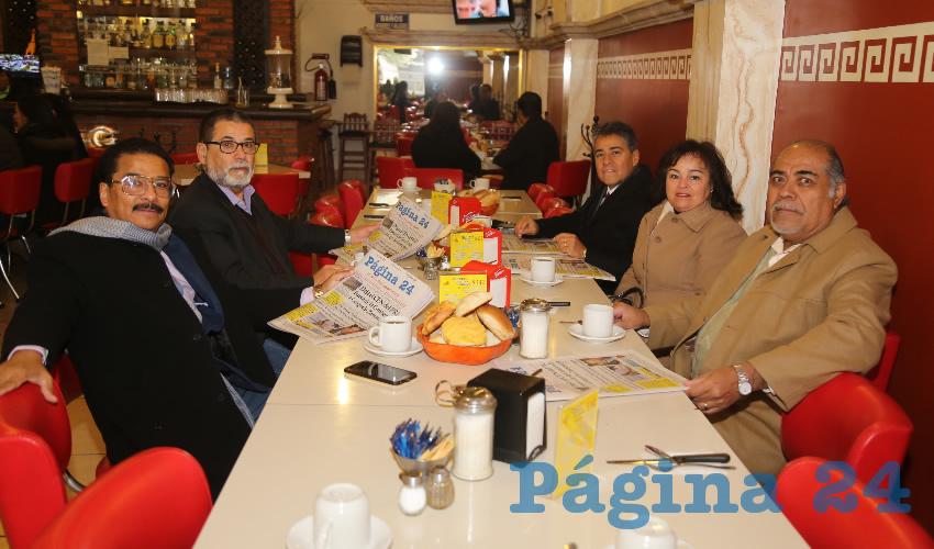En el restaurante Mitla almorzaron Enrique Castro Pérez, José Luis González Rodríguez, Gerardo Ortega Ayala, su esposa María Gabriela Prado Martínez; y Gabriel Díaz Chávez, abogados