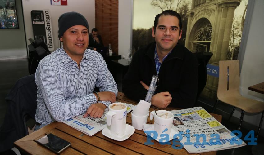 En Café Punta del Cielo departieron Javier Ornelas Iñiguez, abogado, y Diego Vázquez
