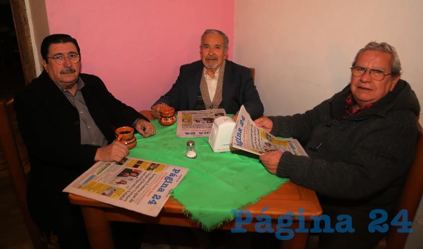 En La Mestiza almorzaron Francisco Esparza Parada, Juan Manuel Rodríguez González y Alfredo Barba Chávez