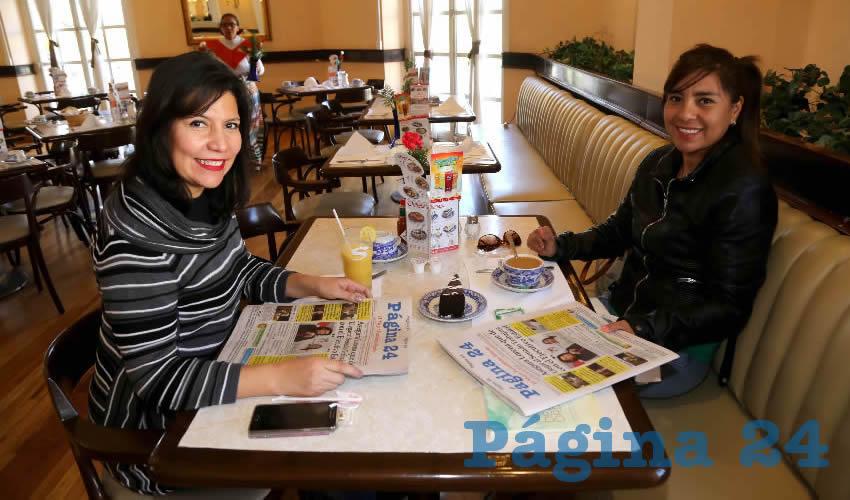 Compartieron el pan y la sal en Sanborns Francia Sandra Malo Martínez y Carmen Reyes Ordaz