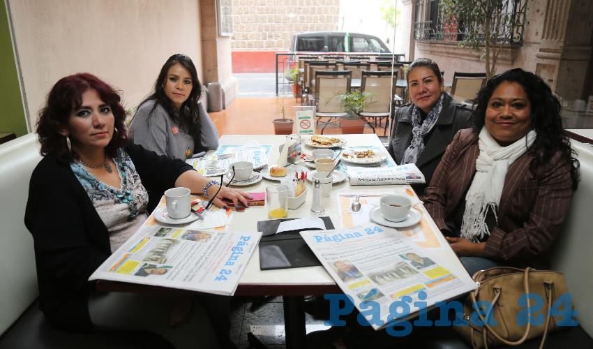En el restaurante La Rueda, del Hotel Quality Inn, desayunaron María de Jesús Agüero Figueroa, Verónica Sandoval Valadez, Vianey Quijas Aguilar y María Esther Mireles Martínez