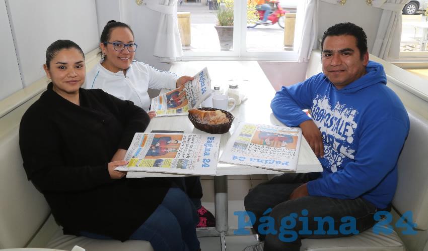 En el restaurante Del Centro compartieron el primer alimento de la mañana Dolores Placencia, Mónica Salazar Gómez y Juan Carlos López Jacobo