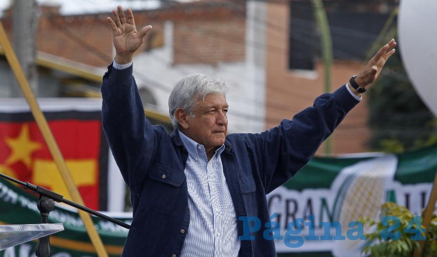"""Andrés Manuel López Obrador, candidato de Morena a la presidencia, dijo que ni siquiera ve """"a la mafia del poder como enemigos, sólo como adversarios. No es mi fuerte la venganza, no los vamos a perseguir, no va a haber represalias, nada más háganse a un lado porque en México va a haber una auténtica democracia, será el gobierno del pueblo"""", advirtió sobre sus rivales/Fotos: Cuartoscuro"""