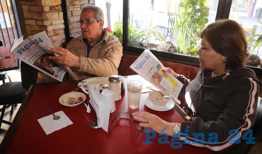 En Las Antorchas compartieron el primer alimento de la mañana Ezequiel Castillo Valderrama y Rosy Ramos Sonora