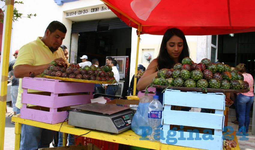 Autorizan espacios para venta de pitaya y empanadas