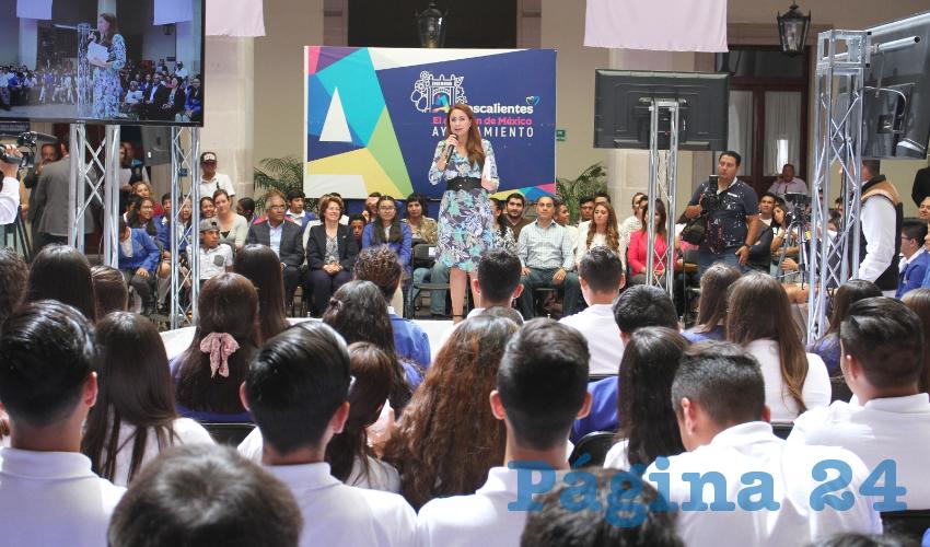 Tere Jiménez refrendó su compromiso para promover programas y políticas públicas que impacten en el desarrollo integral de la niñez y la juventud