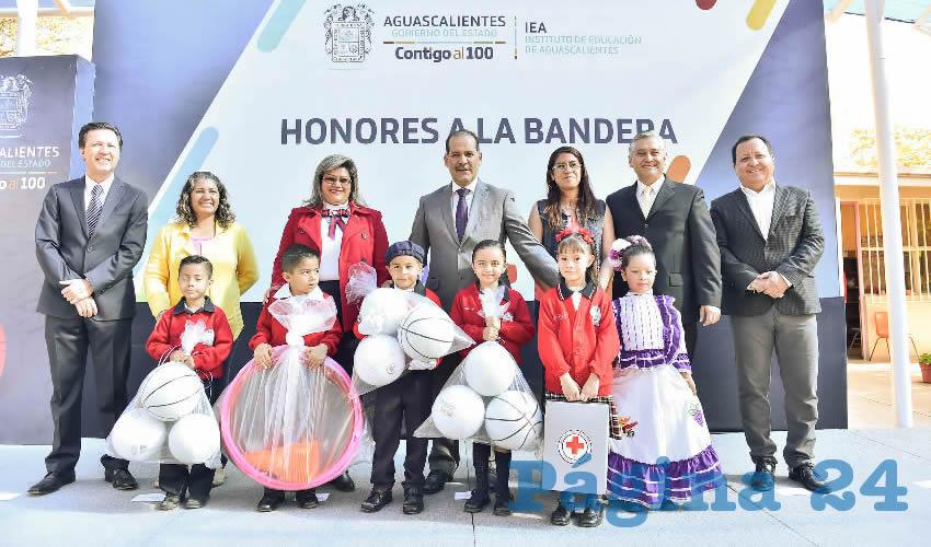 El gobernador Martín Orozco Sandoval arrancó el pago de casi nueve mil becas compensatorias y de excelencia para la educación básica