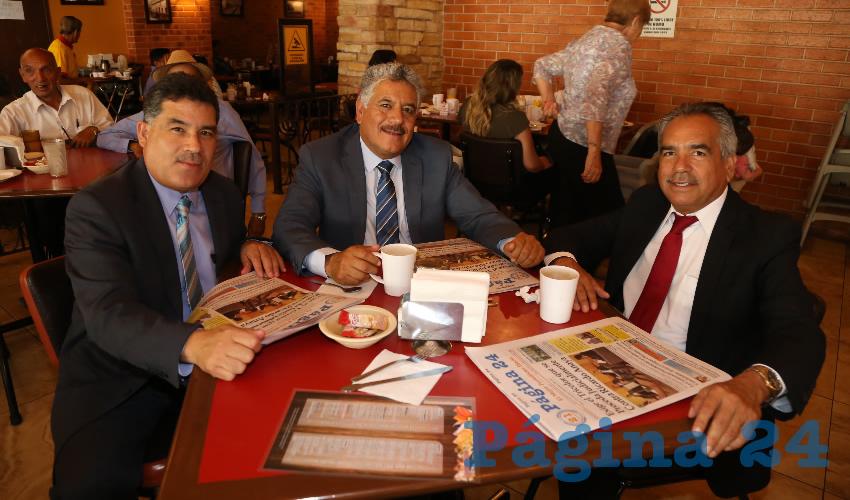 En Las Antorchas almorzaron los hermanos Martín Quezada Chávez, Sergio Quezada Chávez y Armando Quezada Chávez
