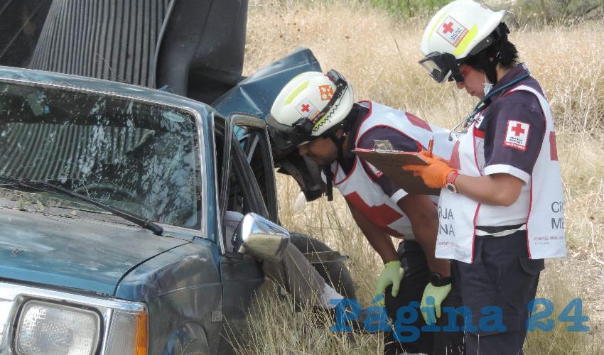 En el percance, los dos tripulantes de la camioneta Mazda