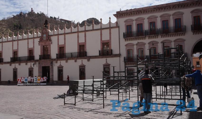 Comienza el Montaje de Escenario de Plaza de Armas