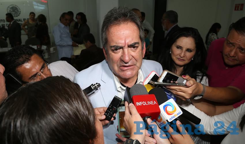 Evade el Exgobernador Carlos Lozano Hablar de las Denuncias en su Contra