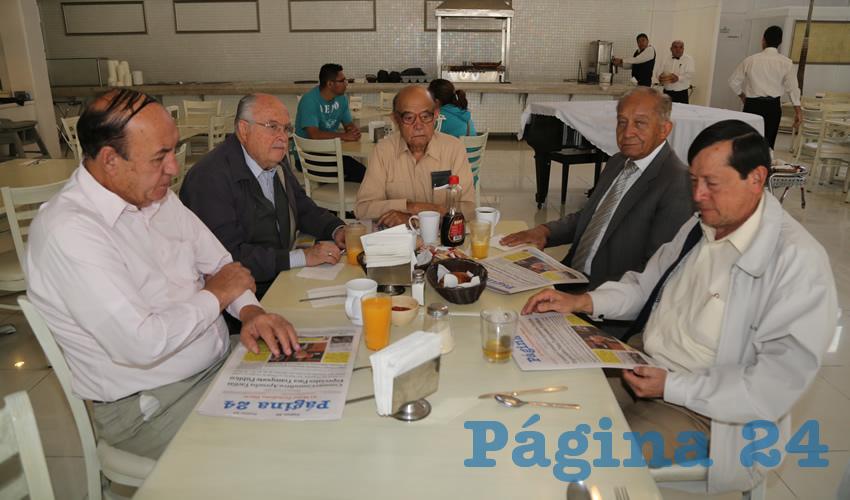 En el restaurante Del Centro compartieron el pan y la sal Leobardo Gutiérrez Gutiérrez, Enrique Franco Muñoz, Jorge Sánchez Muñoz, Edmundo Becerril de Haro y Arturo Díaz Ornelas