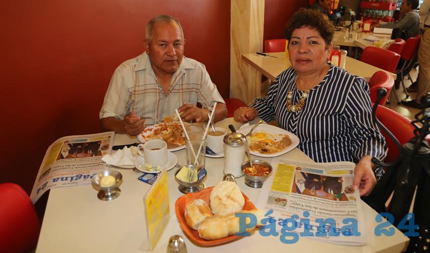 En el restaurante Mitla desayunaron Ricardo Gamboa Martínez y Amelia Silva Lezama