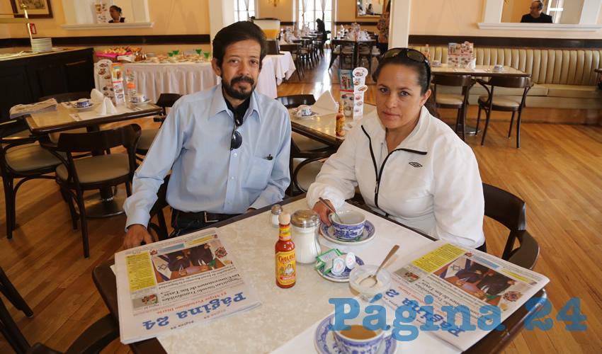 En Sanborns Francia compartieron el pan y la sal Martín Macías Herrera y Rita Gutiérrez López