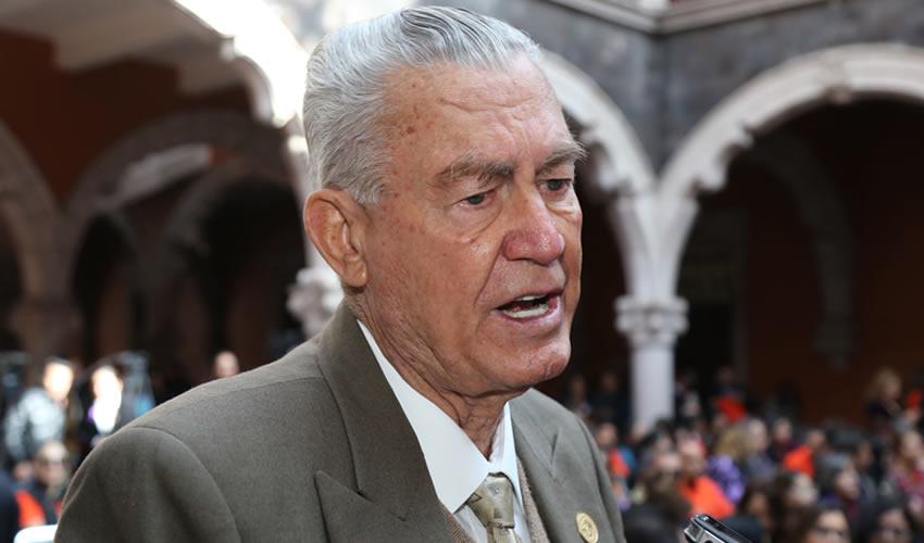 Roberto Díaz Ruiz ...muy amigo de Fermín Barba...