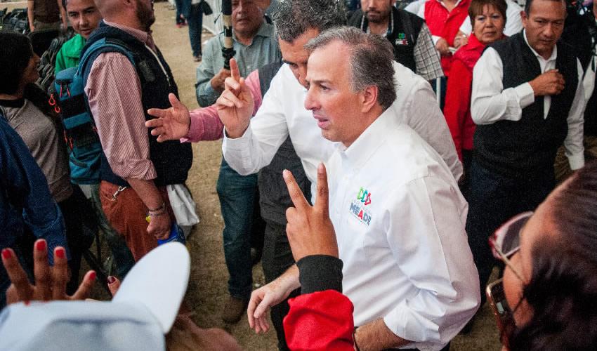 """""""Frenemos a Andrés Manuel"""""""