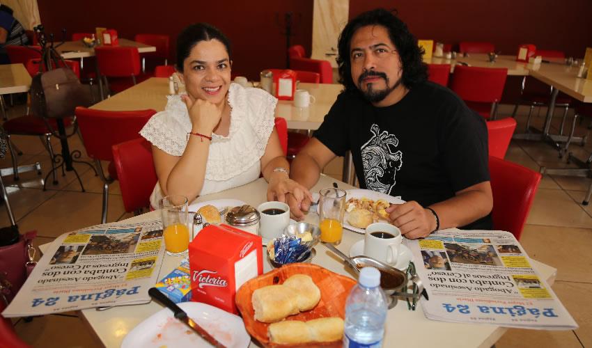 En el restaurante Mitla almorzaron Silvia Alejandre Prado y Víctor Mora