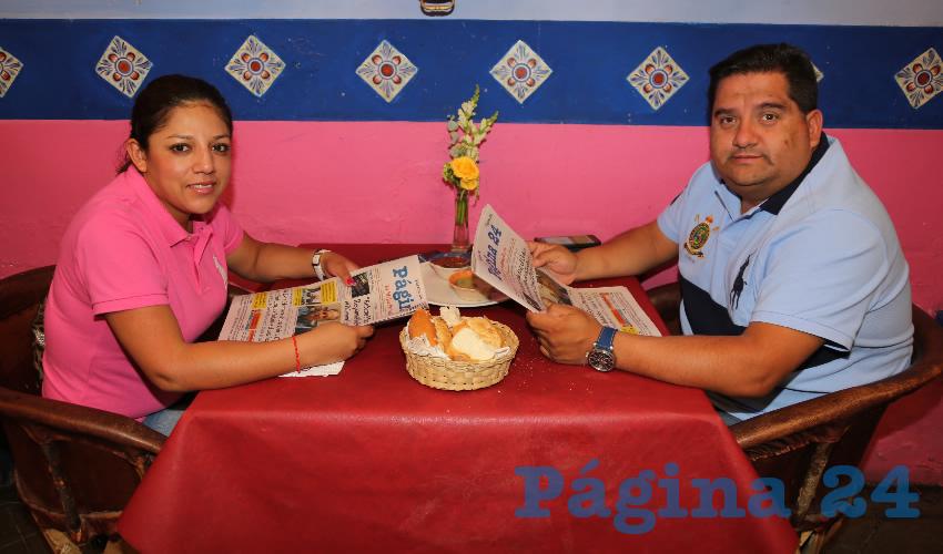 En La Saturnina Compartieron el primer alimento del día Yasmín Cruz Jiménez y Vladimir Santibáñez García