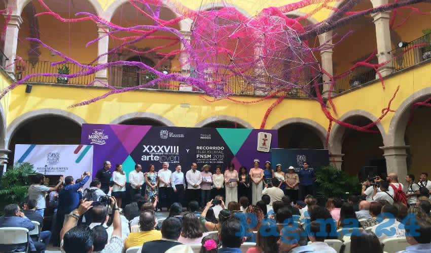 Martín Orozco Sandoval felicitó a los ganadores en las diferentes técnicas y disciplinas artísticas de esta edición