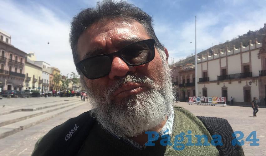 Adrián Cazares Espinoza, presidente de la Asociación de Jubilados y Pensionados del Issstezac. En este contexto, en entrevista para Página 24, reprochó que a los demás se les depositara un día después, lo cual violenta la ley, y la misma ley del Issstezac. (Foto: Cristo González)