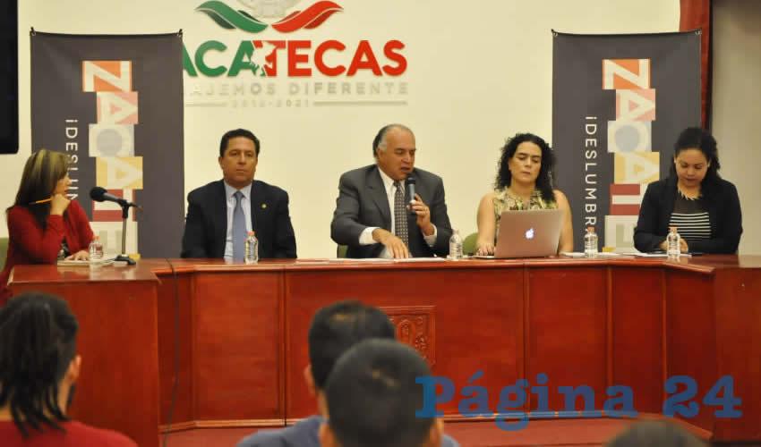 El titular de la Secturz, aseguró que dentro de este evento, se pudo lograr que en Zacatecas se pueda afianzar de manera segura, que turistas puedan visitar el estado, ya que se atraerá a turistas, con diversos convenios. (Foto: Alberto Núñez Hernández/Merari Martínez Castro)