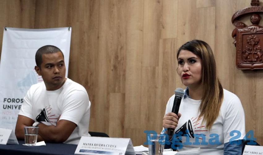 """De acuerdo con Mayra Rivera Cueva, secretaria de Actas y Acuerdos de la Federación de Estudiantes Universitarios, con este ejercicio se pretende que Jalisco """"se posicione como el estado en donde más jóvenes participen en la votación del primero de julio"""", pero que sea un voto razonado, remarcó/Foto: Elizabeth Ríos Chavarría"""