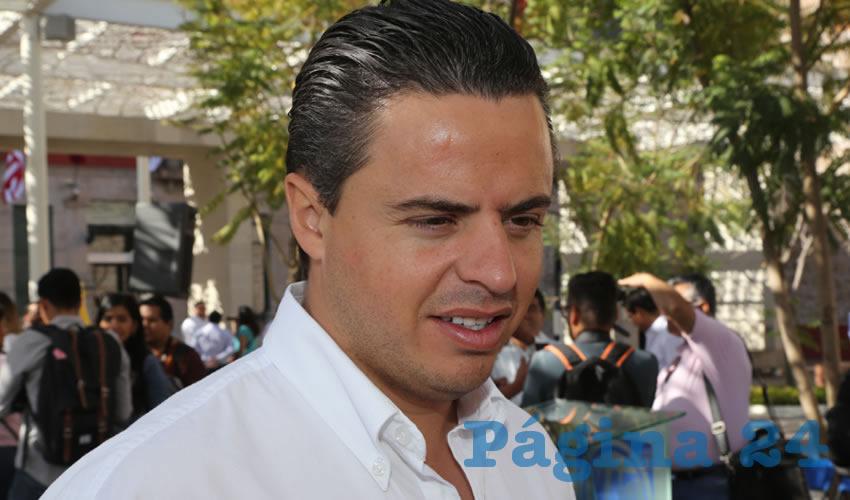Jaime Durán Padilla ...vivillo, apuntó a su mujer...