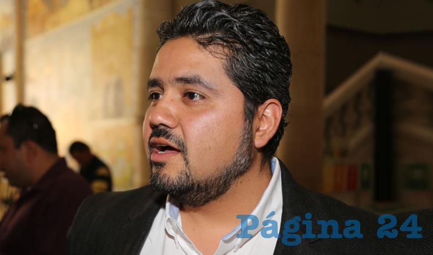 Iván Sánchez Nájera ...quiere a su ñora de diputada...