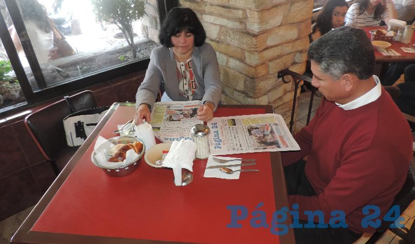 María Nieves y Rodolfo Martínez desayunaron en el restaurante Las Antorchas