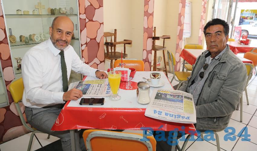 En Fuentes de Sodas Mapi compartieron el pan y la sal Alberto Gómez Velasco, delegado de Profeco; y Sergio Aurelio Ornelas