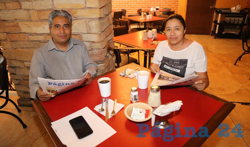 En el restaurante Las Antorchas almorzaron Demian Ruiz Vázquez y Rocío López Armendáriz