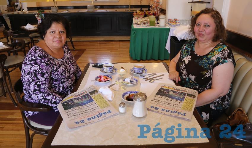 En Sanborns Francia desayunaron Celia Hernández Arellano y Angélica Hernández Arellano