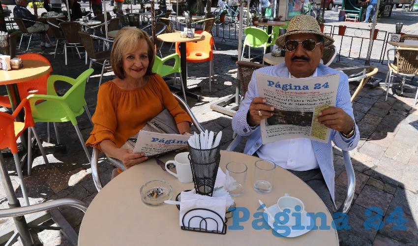 En Café Catedral departieron María Elena Calzada López y José Ramón Franco Andrade