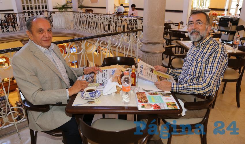 En Sanborns Francia almorzaron Tomás López Méndez y Eduardo Martín Jáuregui, consejero técnico del Mecanismo Nacional de Prevención de la Tortura