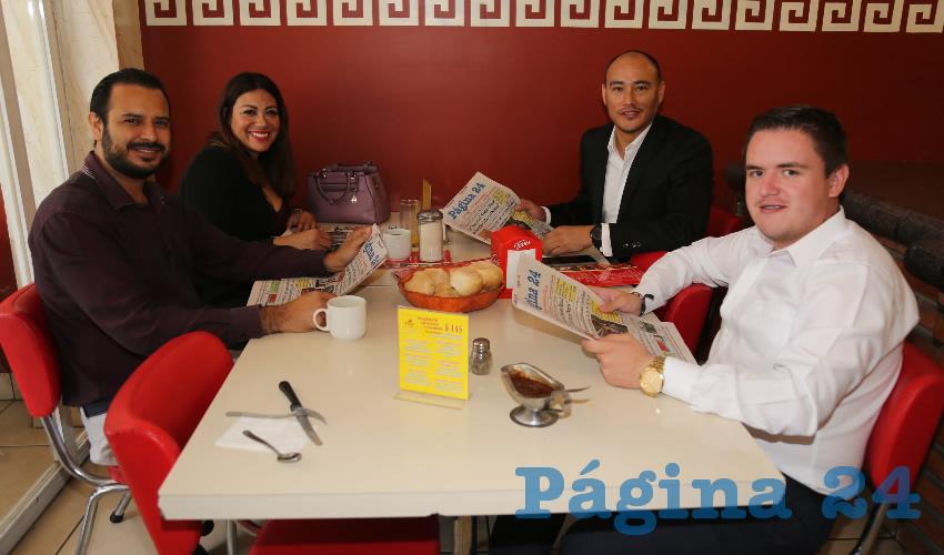 En el restaurante Mitla almorzaron Carlos Esparza Herrera, Diana Carol Trinidad Ponce, regidora suplente; Marcos Zamora Díaz y Miguel Mozo Páez